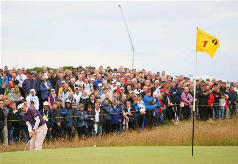 TURNBERRY, SCOTLAND - JULY 18:  Ryuji Imada of Japan chips to the 1st green during round three of the 138th Open Championship on the Ailsa Course, Turnberry Golf Club on July 18, 2009 in Turnberry, Scotland.  (Photo by Andrew Redington/Getty Images)
