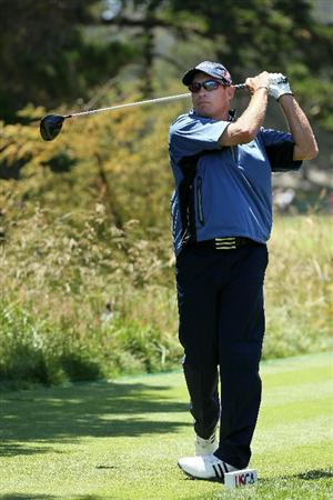 PEBBLE BEACH, CA - JUNE 17:  Brian Davis of England hits his tee shot on the second hole during the first round of the 110th U.S. Open at Pebble Beach Golf Links on June 17, 2010 in Pebble Beach, California.  (Photo by Jeff Gross/Getty Images)