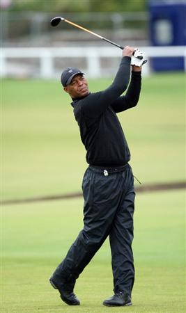 ST.ANDREWS, SCOTLAND - OCTOBER 02:  American football legend Marcus Allen drives off the second tee during the second round of The Alfred Dunhill Links Championship at The Old Course on October 2, 2009 in St. Andrews, Scotland.  (Photo by David Cannon/Getty Images