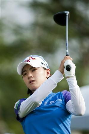 CHON BURI, THAILAND - FEBRUARY 17:  Na Yeon Choi of South Korea tees of on the 18th hole during day one of the LPGA Thailand at Siam Country Club on February 17, 2011 in Chon Buri, Thailand.  (Photo by Victor Fraile/Getty Images)