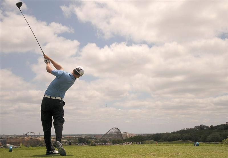 SAN ANTONIO TX - MAY 17: Zach Johnson tees off the 7th hole during the fourth and final  round of  the Valero Texas Open held at La Cantera Golf Club on May 17, 2009 in San Antonio, Texas.  (Photo by Marc Feldman/Getty Images)