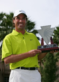 INDIAN WELLS, CA - NOVEMBER 25:  Stephen Ames holds the winner's trophy after winning the PGA LG Skins Game on the 18th hole on November 25, 2007 at the Indian Wells Golf Resort in Indian Wells, California.  (Photo by Robert Laberge/Getty Images)
