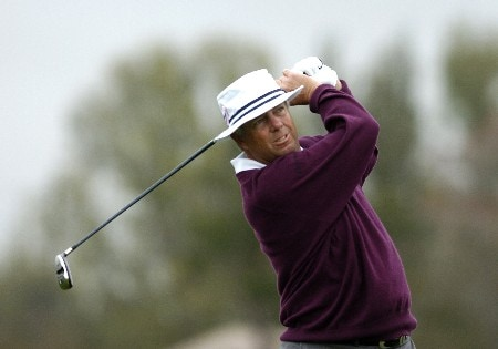 Kirk Triplett drives from the 14th tee as second-day play resumes in  the first round of the Bay Hill Invitational March 18, 2005 in Orlando.