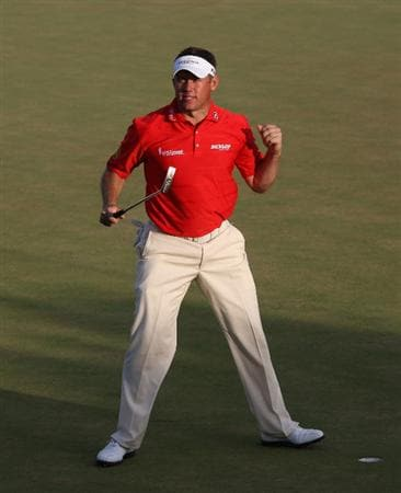 VILAMOURA, PORTUGAL - OCTOBER 18:  Lee Westwood of England celebrates on the 18th geen after winning the Portugal Masters at the Oceanico Victoria Golf Course on October 18, 2009 in Vilamoura, Portugal.  (Photo by Andrew Redington/Getty Images)