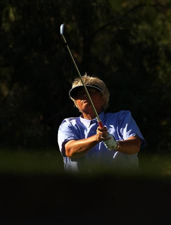 MELBOURNE, AUSTRALIA - MARCH 12:  Laura Davies of England plays her tee shot on the 15th hole during round two of the 2010 Women's Australian Open at The Commonwealth Golf Club on March 12, 2010 in Melbourne, Australia.  (Photo by Mark Dadswell/Getty Images)