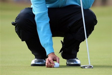 SOUTHPORT, UNITED KINGDOM - JULY 20:  Jeff Overton of USA lines up a putt during the final round of the 137th Open Championship on July 20, 2008 at Royal Birkdale Golf Club, Southport, England.  (Photo by Stuart Franklin/Getty Images)