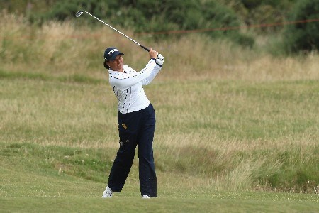 ST ANDREWS, UNITED KINGDOM - AUGUST 03:  Sherri Steinhauer of USA hits her approach to the 13th green during the Second Round of the 2007 Ricoh Women's British Open held on the Old Course at St Andrews on August 3, 2007 in St Andrews, Scotland.  (Photo by David Cannon/Getty Images)