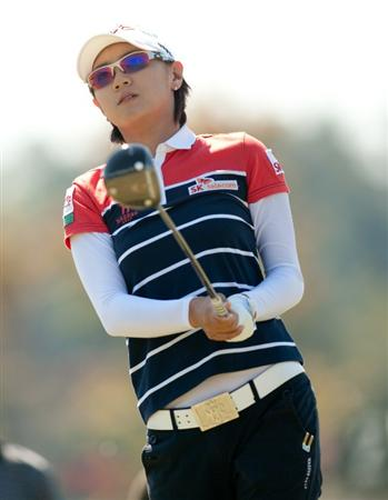 PRATTVILLE, AL - OCTOBER 9: Na Yeon Choi of South Korea follows watches a tee shot during the third round of the Navistar LPGA Classic at the Senator Course at the Robert Trent Jones Golf Trail on October 9, 2010 in Prattville, Alabama. (Photo by Darren Carroll/Getty Images)