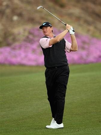 ICHEON, SOUTH KOREA - APRIL 28:  Ernie Els of South Africa in action during the first round of the Ballantine's Championship at Blackstone Golf Club on April 28, 2011 in Icheon, South Korea.  (Photo by Andrew Redington/Getty Images)