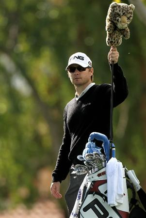 LA QUINTA, CA - JANUARY 20:  Heath Slocum prepares to hit his tee shot on the second hole on the Palmer Private Course at PGA West during the first round of the Bob Hope Classic on January 20, 2010 in La Quinta, California.  (Photo by Stephen Dunn/Getty Images)