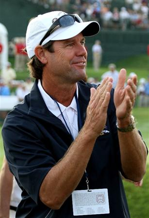 LOUISVILLE, KY - SEPTEMBER 19:  The USA team captain Paul Azinger waits near the first tee during the morning foursomes of day one of the 2008 Ryder Cup at Valhalla Golf Club on September 19, 2008 in Louisville, Kentucky.  (Photo by David Cannon/Getty Images)