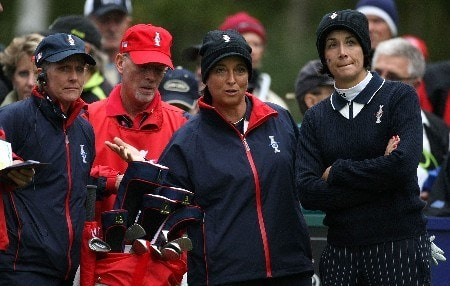 HALMSTAD, SWEDEN - SEPTEMBER 14:  Laura Diaz and Sherri Steinhauer discuss the tee shot on the 12th hole with team captain Besty King after making a putt on the 11th hole during the morning foursomes at the Solheim Cup at Halmstad Golf Club on September 14, 2007 in Halmstad, Sweden.  (Photo by Jonathan Ferrey/Getty Images)