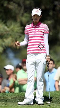 LA JOLLA, CA - SEPTEMBER 20: Na Yeon Choi of South Korea reacts to an eagle putt on the 6th hole during the final round of the LPGA Samsung World Championship on September 20, 2009 at Torrey Pines Golf Course in La Jolla, California.  (Photo By Donald Miralle/Getty Images)