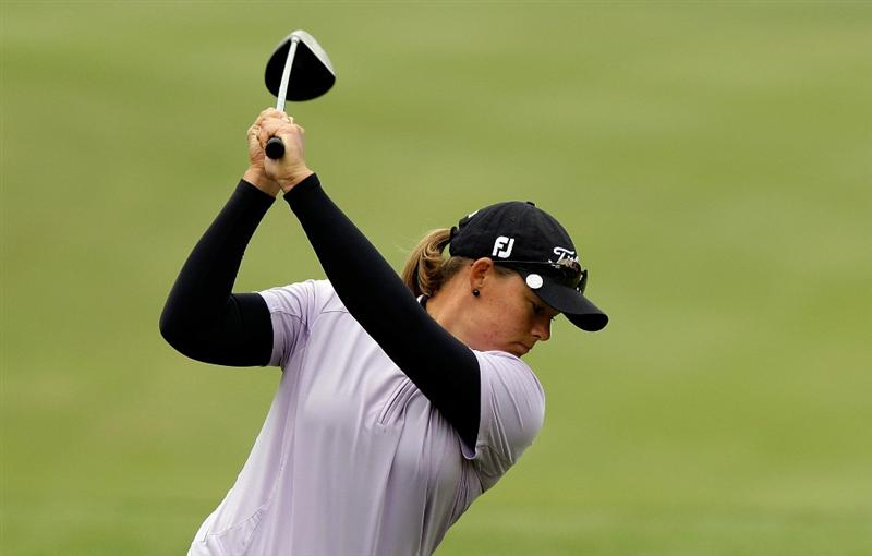 SHIMA, JAPAN - NOVEMBER 07:  Katherine Hull of Australia plays a shot on the 4th hole during the final round of the Mizuno Classic at Kintetsu Kashikojima Country Club on November 7, 2010 in Shima, Japan.  (Photo by Chung Sung-Jun/Getty Images)