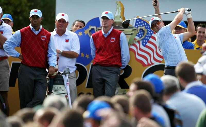 NEWPORT, WALES - SEPTEMBER 28:  Zach Johnson of the USA hits a tee shot as Tiger Woods, Jimmy Johnson and Steve Stricker look on during a practice round prior to the 2010 Ryder Cup at the Celtic Manor Resort on September 28, 2010 in Newport, Wales.  (Photo by Andy Lyons/Getty Images)
