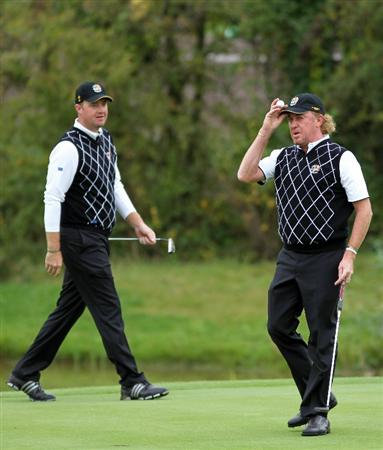 NEWPORT, WALES - OCTOBER 02:  Miguel Angel Jimenez of Spain acknowledges the crowd on the 3rd green after holing a birdie putt during the rescheduled Afternoon Foursome Matches during the 2010 Ryder Cup at the Celtic Manor Resort on October 2, 2010 in Newport, Wales. (Photo by Jamie Squire/Getty Images)