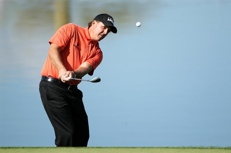 MARANA, AZ - FEBRUARY 24:  Phil Mickelson hits his second shot on the third hole during the second round of the Accenture Match Play Championship at the Ritz-Carlton Golf Club on February 24, 2011 in Marana, Arizona.  (Photo by Andy Lyons/Getty Images)