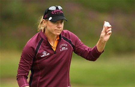 SUNNINGDALE, UNITED KINGDOM - JULY 31:  Annika Sorenstam of Sweden ackowledges the crowd on the 10th green during the first round of the 2008 Ricoh Women's British Open held on the Old Course at Sunningdale Golf Club on July 31, 2008 in Sunningdale, England.  (Photo by Warren Little/Getty Images)