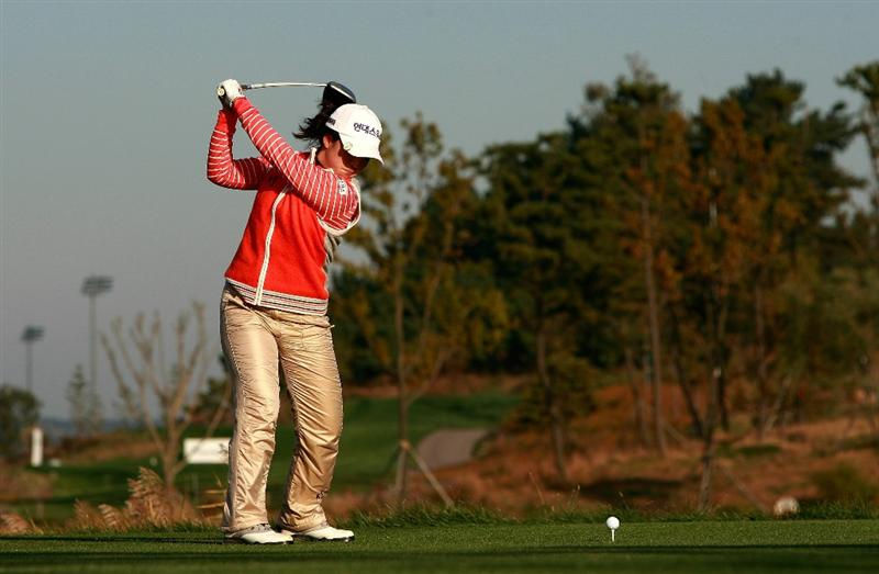 INCHEON, SOUTH KOREA - OCTOBER 30:  Kim Bo-Bae of South Korea hits a tee shot on the second hole during the 2010 LPGA Hana Bank Championship at Sky 72 Golf Club on October 30, 2010 in Incheon, South Korea.  (Photo by Chung Sung-Jun/Getty Images)