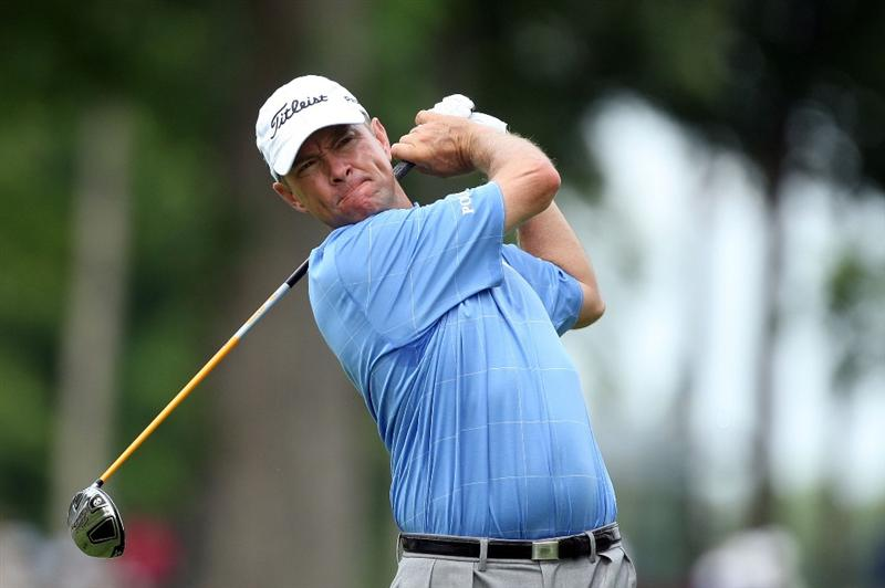 CHASKA, MN - AUGUST 13:  Davis Love III watches his tee shot on the fifth hole during the first round of the 91st PGA Championship at Hazeltine National Golf Club on August 13, 2009 in Chaska, Minnesota.  (Photo by David Cannon/Getty Images)