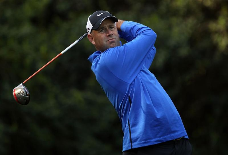 CHARLOTTE, NC - APRIL 29:  Stewart Cink watches his tee shot on the 14th hole during the first round of the Quail Hollow Championship at Quail Hollow Country Club on April 29, 2010 in Charlotte, North Carolina.  (Photo by Streeter Lecka/Getty Images)