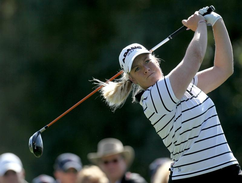 RANCHO MIRAGE, CA - APRIL 02:  Brittany Lincicome hits her tee shot on the 15th hole during the second round of the Kraft Nabisco Championship at Mission Hills Country Club on April 1, 2010 in Rancho Mirage, California.  (Photo by Stephen Dunn/Getty Images)