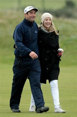 CARNOUSTIE, SCOTLAND - OCTOBER 09:  Singer  Huey Lewis with his daughter Kelly Lewis during the third round of The Alfred Dunhill Links Championship at the Carnoustie Golf Links on October 9, 2010 in Carnoustie, Scotland.  (Photo by David Cannon/Getty Images)