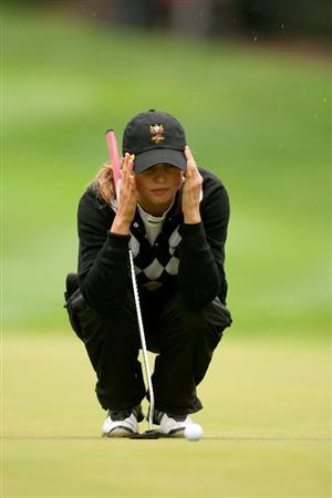 DANVILLE, CA - OCTOBER 17: Beatriz Recari of Spain lines up a putt during the final round of the CVS/Pharmacy LPGA Challenge at Blackhawk Country Club on October 16, 2010 in Danville, California. (Photo by Darren Carroll/Getty Images)