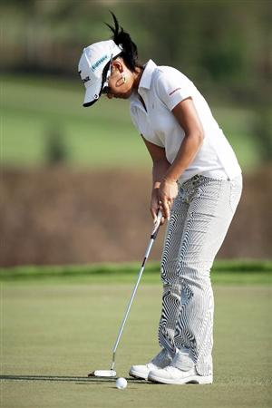 BANGKOK, THAILAND - FEBRUARY 26:  Ai Miyazato of Japan in action on the 16th hole during day one of the Honda LPGA Thailand 2009 at Siam Country Club Plantation on February 26, 2009 in Pattaya, Chonburi, Thailand.  (Photo by Chumsak Kanoknan/Getty Images)