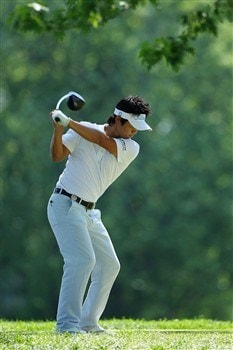 BLOOMFIELD HILLS, MI - AUGUST 06:  Ryuji Imada of Japan hits a shot during a practice round prior to the 90th PGA Championship at Oakland Hills Country Club on August 6, 2008 in Bloomfield Township, Michigan.  (Photo by Stuart Franklin/Getty Images)