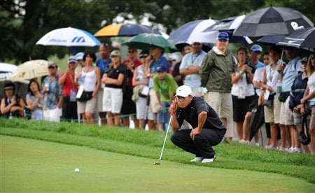 OAKVILLE, ON - JULY 26:  Anthony Kim aims for a putt on the first green during the third round of the RBC Canadian Open at the Glen Abbey Golf Club on July 26, 2008 in Oakville, Ontario, Canada. (Photo by Robert Laberge/Getty Images)
