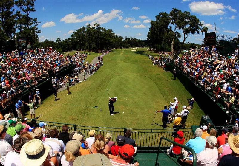 PONTE VEDRA BEACH, FL - MAY 15:  Graeme McDowell of Northern Ireland hits his tee shot on the first hole during the final round of THE PLAYERS Championship held at THE PLAYERS Stadium course at TPC Sawgrass on May 15, 2011 in Ponte Vedra Beach, Florida.  (Photo by Streeter Lecka/Getty Images)