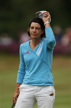 SUNNINGDALE, UNITED KINGDOM - AUGUST 03:  Juli Inkster of the USA acknowledges the crowd on the 18th green during the final round of the 2008 Ricoh Women's British Open held on the Old Course at Sunningdale Golf Club on Ausgust 3, 2008 in Sunningdale, England.  (Photo by Warren Little/Getty Images)