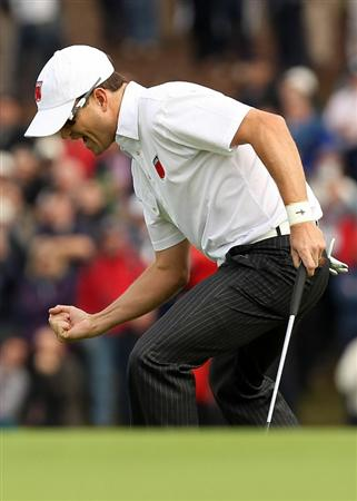 NEWPORT, WALES - OCTOBER 02:  Zach Johnson of the USA celebrates winning his match on the 18th green during the rescheduled Afternoon Foursome Matches during the 2010 Ryder Cup at the Celtic Manor Resort on October 2, 2010 in Newport, Wales.  (Photo by Ross Kinnaird/Getty Images)