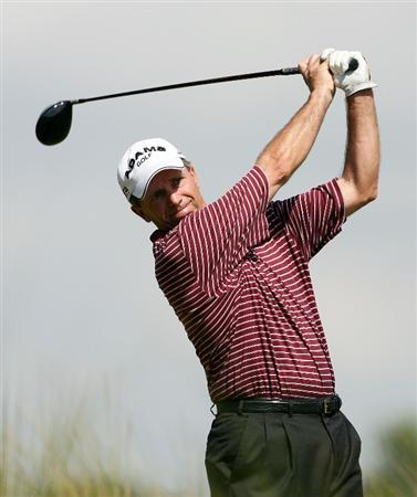 BOCA RATON, FL - FEBRUARY 15:  Jerry Pate hits his drive on the 6th tee during the final round of the Allianz Championship at The Old Course at Broken Sound Club on February 15, 2009 in Boca Raton, Florida.  (Photo by Doug Benc/Getty Images)