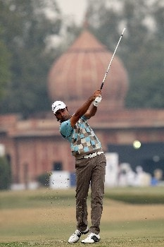 DELHI, INDIA - FEBRUARY 07:  Jyoti Randhawa of India plays his second shot to the 10th hole during the first round of the Emaar-MGF Indian Masters at the Delhi Golf Club, on February 7, 2008 in Delhi, India.  (Photo by David Cannon/Getty Images)