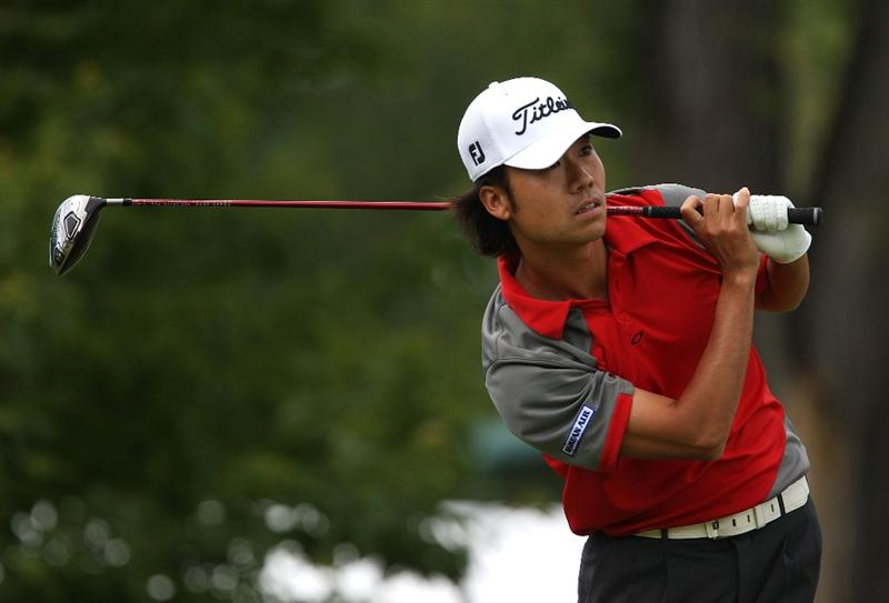 MILWAUKEE - JULY 19: Kevin Na watches his tee shot on the 10th hole during the final round of the U.S. Bank Championship on July 19, 2009 at the Brown Deer Park golf course in Milwaukee, Wisconsin. (Photo by Jonathan Daniel/Getty Images)