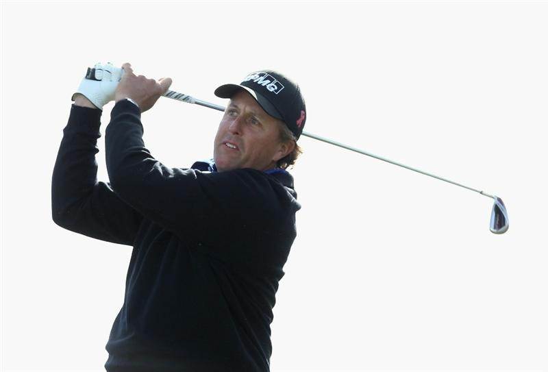 SCOTTSDALE, AZ - FEBRUARY 05:  Phil Mickelson hits a tee shot on the first hole during the second round of the Waste Management Phoenix Open at TPC Scottsdale on February 5, 2011 in Scottsdale, Arizona.  (Photo by Christian Petersen/Getty Images)