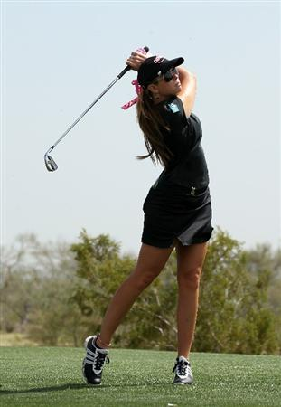 PHOENIX, AZ - MARCH 19:  Paula Creamer hits her tee shot on the 17th hole during the second round of the RR Donnelley LPGA Founders Cup at Wildfire Golf Club on March 19, 2011 in Phoenix, Arizona.  (Photo by Stephen Dunn/Getty Images)