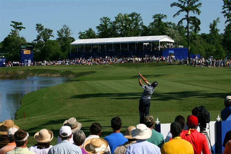 AVONDALE, LA - APRIL 25:  Jason Bohn hits his tee shot on the 17th hole during the final round of the Zurich Classic at TPC Louisiana on April 25, 2010 in Avondale, Louisiana.  (Photo by Chris Trotman/Getty Images)