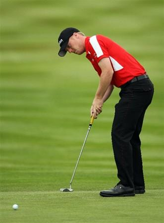WENTWORTH, ENGLAND - MAY 22:  David Horsey of England putts on the 18th green during the Second Round of the BMW PGA Championship at Wentworth on May 22, 2009 in Virginia Water, England.  (Photo by Andrew Redington/Getty Images)