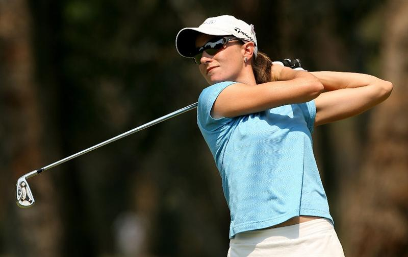 MELBOURNE, AUSTRALIA - FEBRUARY 14:  Lynn Kenny of Scotland tees off on the second hole during day three of the 2009 Women`s Australian Open held at the Metropolitan Golf Club February 14, 2009 in Melbourne, Australia.  (Photo by Robert Prezioso/Getty Images)