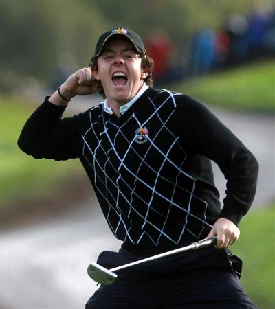 NEWPORT, WALES - OCTOBER 02:  Rory McIlroy of Europe celebrates holing a birdie putt on the 17th green during the rescheduled Morning Fourball Matches during the 2010 Ryder Cup at the Celtic Manor Resort on October 2, 2010 in Newport, Wales. (Photo by Andrew Redington/Getty Images)