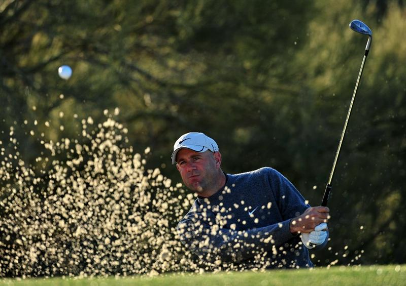 MARANA, AZ - FEBRUARY 28:  Stewart Cink of USA plays his bunker shot on the first hole during the quarter final round of Accenture Match Play Championships at Ritz - Carlton Golf Club at Dove Mountain on February 28, 2009 in Marana, Arizona.  (Photo by Stuart Franklin/Getty Images)