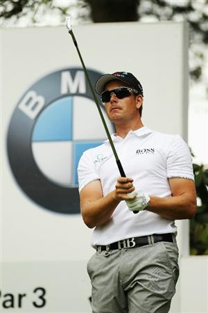 VIRGINIA WATER, ENGLAND - MAY 20:  Henrik Stenson of Sweden tees off during the first round of the BMW PGA Championship on the West Course at Wentworth on May 20, 2010 in Virginia Water, England.  (Photo by Ian Walton/Getty Images)