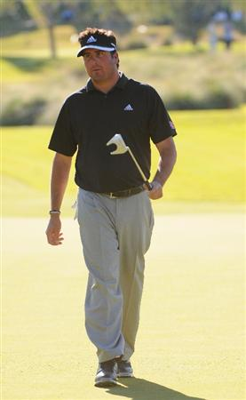 LAS VEGAS- OCTOBER 17: Pat Perez birdies the par three 17th during the second round of the Justin Timberlake Shriners Hospitals for Children Open held at the TPC Summerlin on Friday, October 17, 2008 in Las Vegas, Nevada(Photo by Marc Feldman\Getty Images)