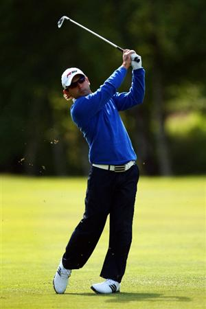 WENTWORTH, ENGLAND - MAY 22: Fabrizio Zanotti of Paraguay hits his second shot on the 9th hole during the Second Round of the BMW PGA Championship at Wentworth on May 22, 2009 in Virginia Water, England.  (Photo by Ian Walton/Getty Images)