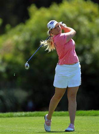 RANCHO MIRAGE, CA - APRIL 03:  Brittany Lincicome of the USA plays her tee shot on the par 4, 6th hole during the final round of the 2011 Kraft Nabisco Championship on the Dinah Shore Championship Course at the Mission Hills Country Club on April 3, 2011 in Rancho Mirage, California.  (Photo by David Cannon/Getty Images)