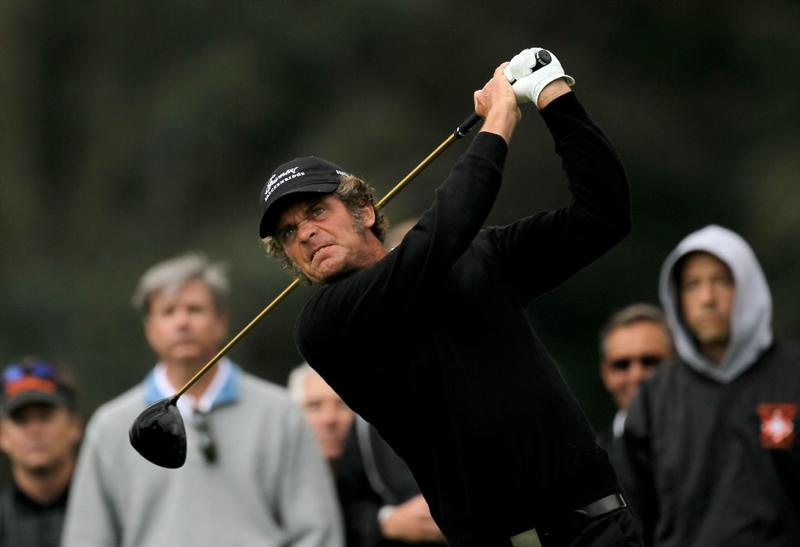 PACIFIC PALISADES, CA - FEBRUARY 04:  Jesper Parnevik of Sweden hits his tee shot on the ninth hole during the first round of the Northern Trust Open at Riveria Country Club on February 4, 2010 in Pacific Palisades, California.  (Photo by Stephen Dunn/Getty Images)