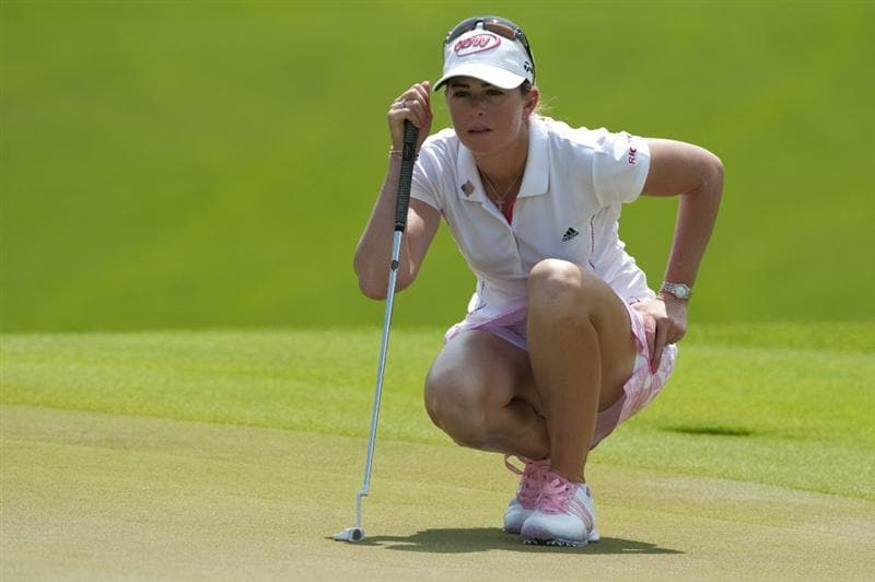 CHON BURI, THAILAND - FEBRUARY 20:  Paula Creamer of USA lines up a putt on the 4th green during day four of the LPGA Thailand at Siam Country Club on February 20, 2011 in Chon Buri, Thailand.  (Photo by Victor Fraile/Getty Images)